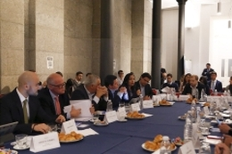Buenos Aires 23-04 Legislators from 9 Latin American countries exchange on accelerating shift to electric mobility